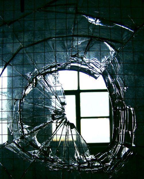 Things Falling Apart - Niquita Deviant Art online